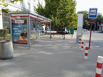 Przystanek autobusowy Malczewskiego 04