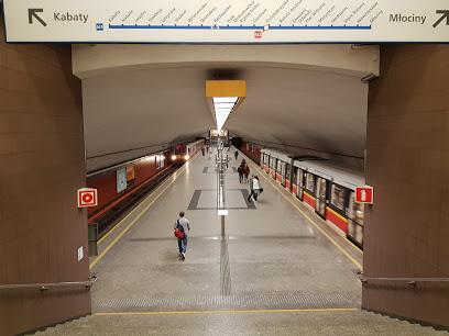 Metro Racławicka