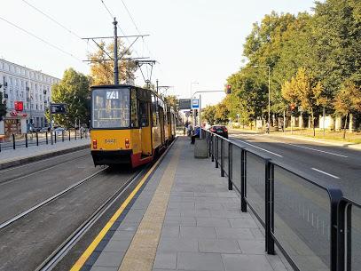 Przystanek tramwajowy Malczewskiego 06